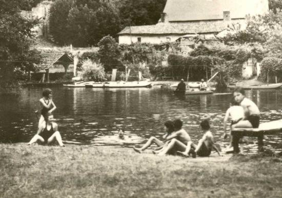 1942 ma famille à la baignade